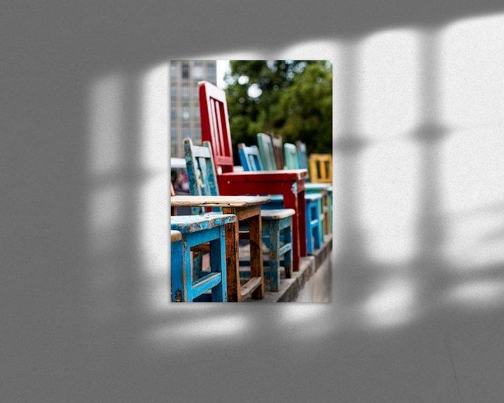 Sfeerimpressie: Gekleurde stoelen van Franziska Pfeiffer