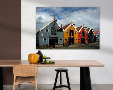 Kleurige huisjes in de haven in Zoutkamp von Alice Berkien-van Mil