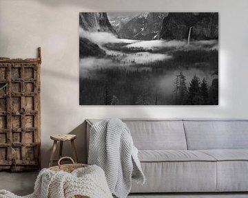 Mist Floating In Yosemite Valley, Hong Zeng van 1x