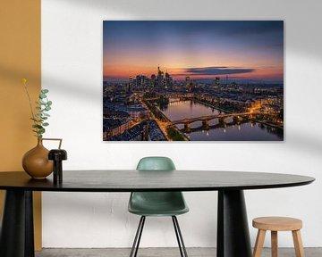 De Horizon van Frankfurt bij zonsondergang, Robin Oelschlegel van 1x