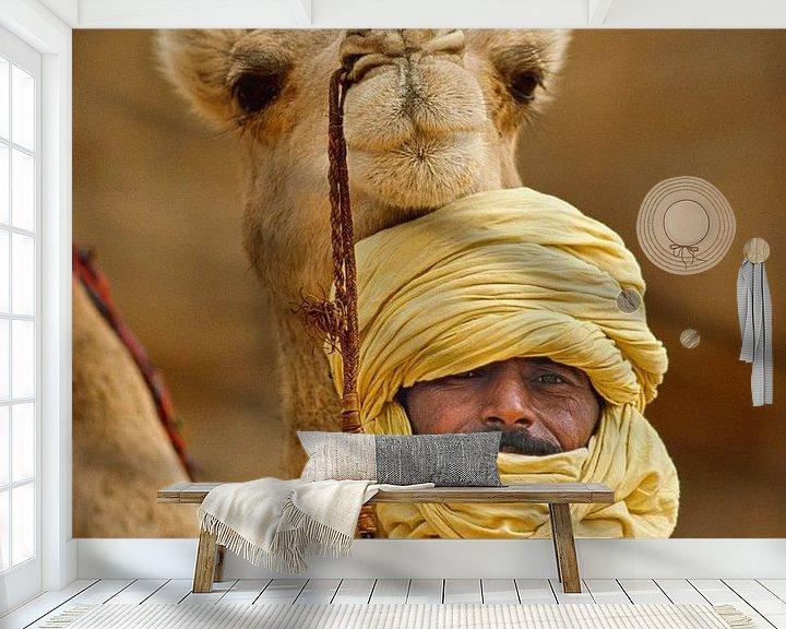 Impression: Désert du Sahara. Homme touareg avec un chameau. Portrait. sur Frans Lemmens