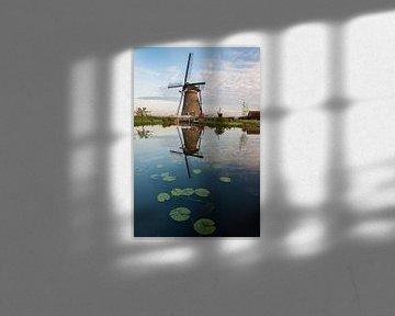 Molen met waterlelies bij Kinderdijk van Sander Groenendijk