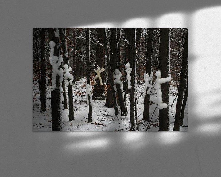 Sfeerimpressie: Ze maken sneeuwballen van ons, vlug de boom in ! van Mies Heerma