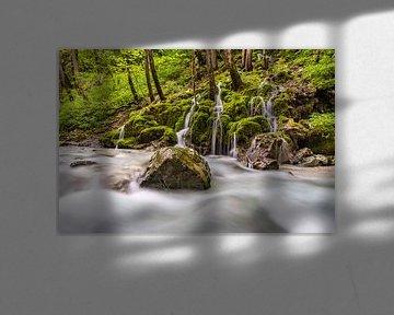Idyllische kleine waterval van MindScape Photography