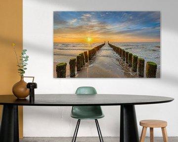 Zonsondergang aan het strand van Domburg van Michael Valjak