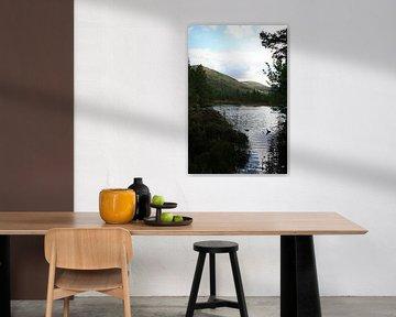Doorkijkje over Schots meer van Floortje Mink