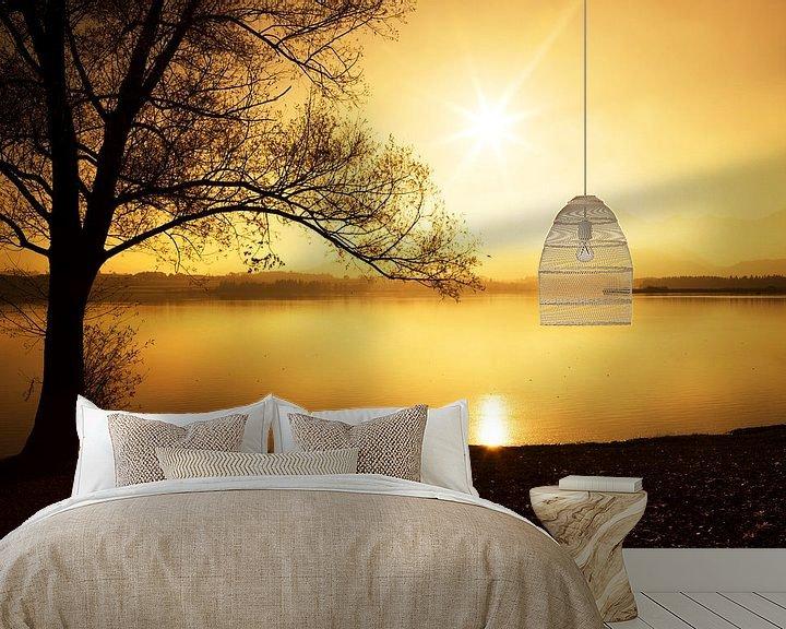 Sfeerimpressie behang: Silhoutte bij zonsondergang van Frank Herrmann