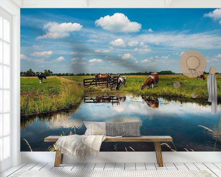 Sfeerimpressie behang: Water en Reflecties. van Brian Morgan