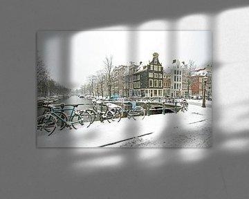 Das verschneite Amsterdam in den Niederlanden von Nisangha Masselink