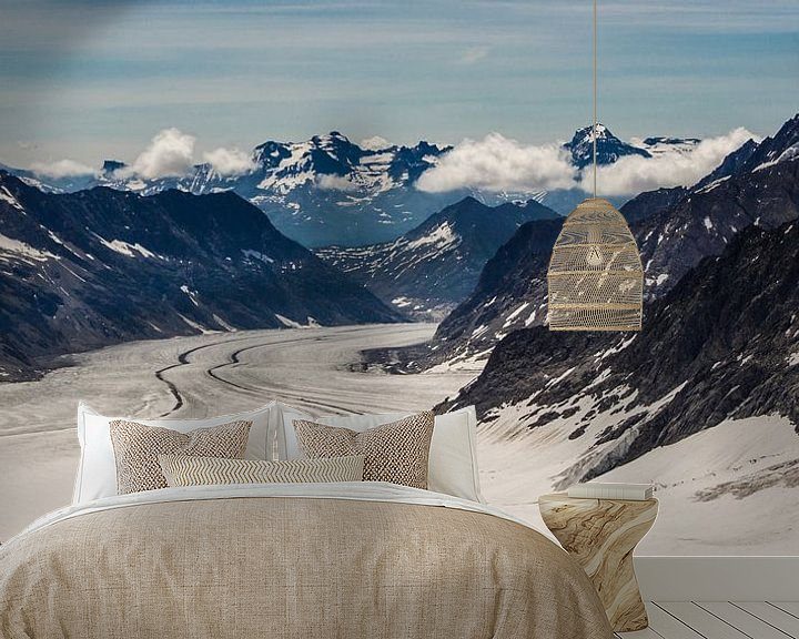 Sfeerimpressie behang: panorama Aletsch gletsjer gezien van de Jungfraujoch van Peter Moerman