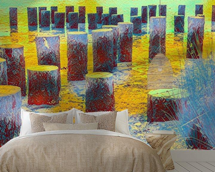 Sfeerimpressie behang: Palen in een landschap van Leo Luijten