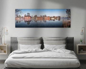 Woonboten langs de rivier De Vecht bij Weesp van Frans Lemmens