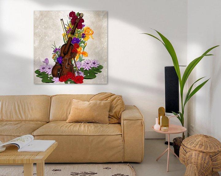 Beispiel: Kaputte Geige umgeben von Blumen von Patricia Piotrak