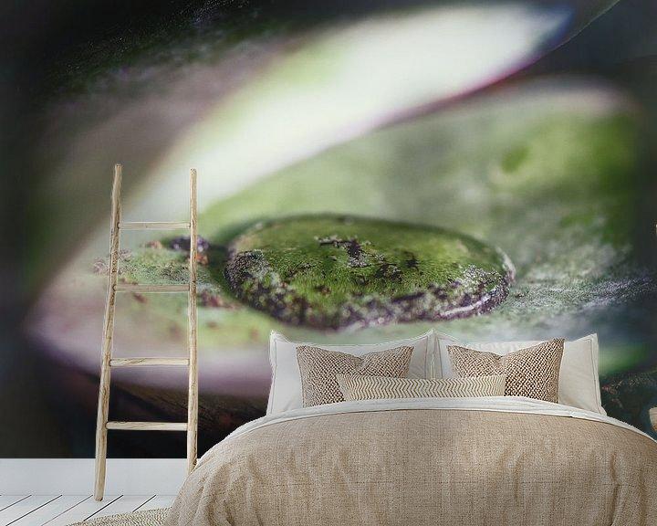 Sfeerimpressie behang: ~Teardrop of a Naiad ~ van Cristel Brouwer