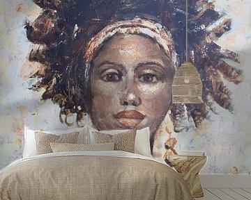 Ein abstraktes Gemälde einer afrikanischen Frau von Mieke Daenen