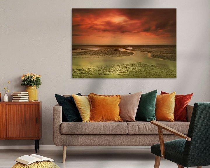 Sfeerimpressie: Zonsondergang bij eb in de Waddenzee van Frank Herrmann