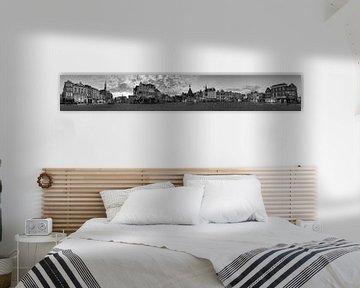 Panorama Den Bosch met put zwart wit