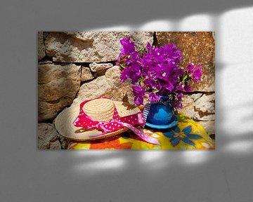 Bouquet Bougainvillea und Strohhut von Ivonne Wierink