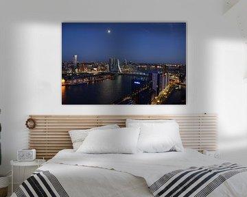 Rotterdam in de vroege avond van Marcel van Duinen