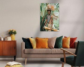 Portret van jongen uit Papoea Nieuw Guinea van Milene van Arendonk
