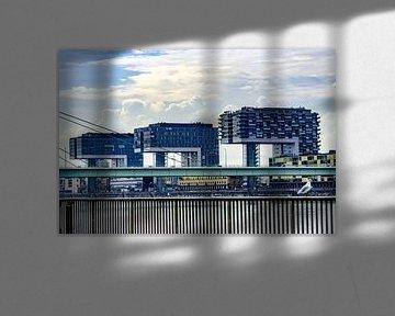 Kranhäuser im Kölner Hafen von Tom Voelz