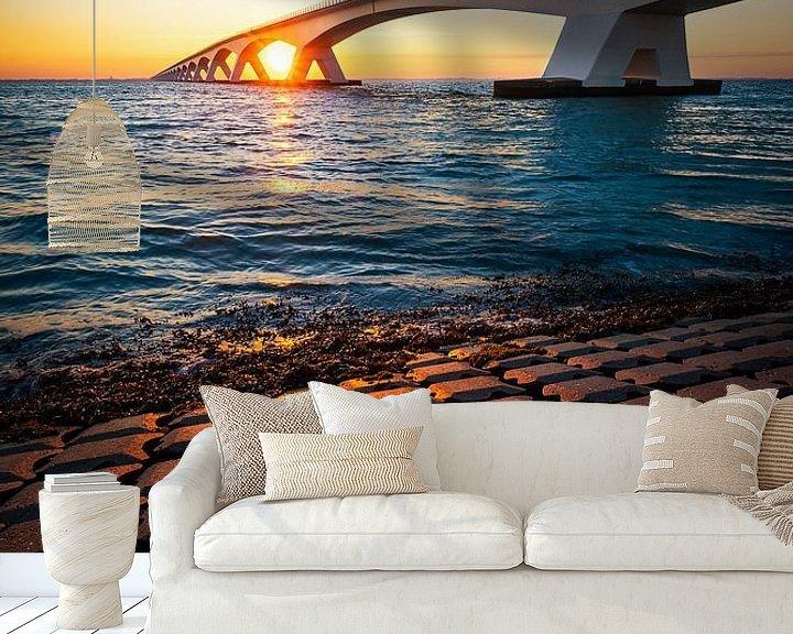 Sfeerimpressie behang: Elementary (zonsopgang bij Zeelandbrug) van Thom Brouwer