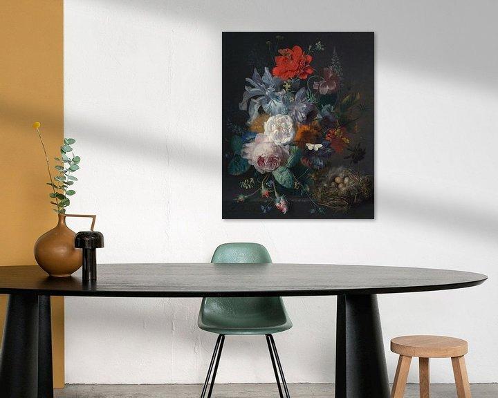 Beispiel: Blumenstillleben in einer Glasvase mit einem Vogelnest auf einem Steinsockel, Jan van Huijsum