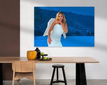 Angel in the snow von Tom River Art