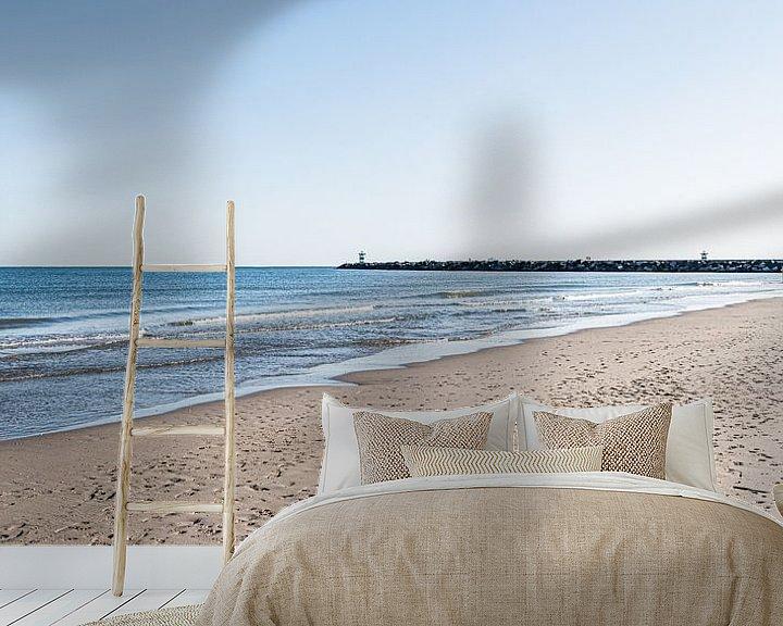 Sfeerimpressie behang: Het strand en het havenhoofd van Scheveningen van MICHEL WETTSTEIN