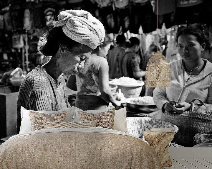 Sfeerimpressie behang: Markt in Sidemen (gezien bij vtwonen) van Bibi Veth