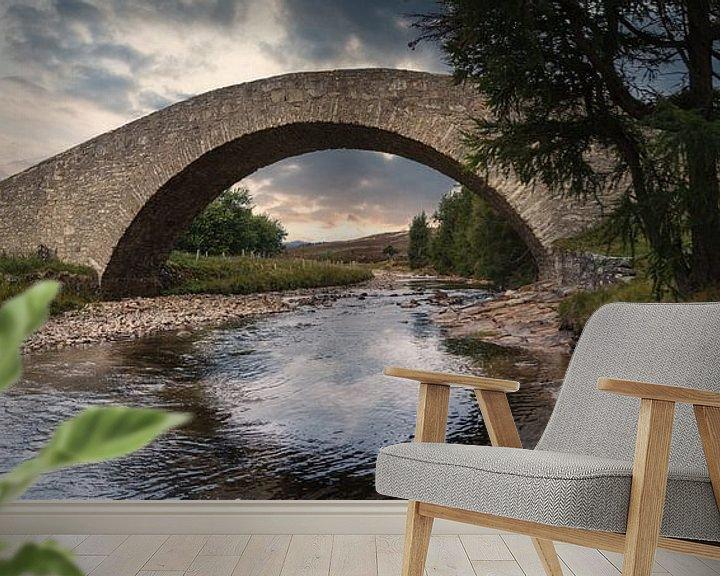 Sfeerimpressie behang: Old Bridge over the River Gairn van Mart Houtman