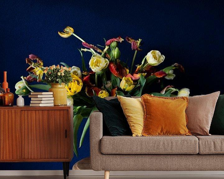 Beispiel fototapete: Blau-gelbes Tulpenstilleben von Lieke Roodbol