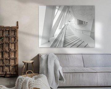 Escalier blanc sur Wil Crooymans
