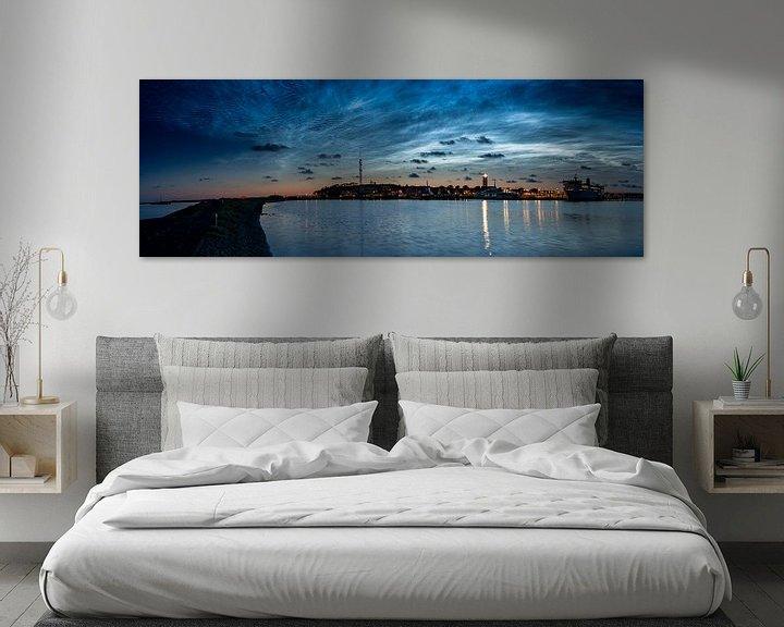 Sfeerimpressie: Lichtende Nachtwolken boven West-Terschelling van Marjolein van Roosmalen