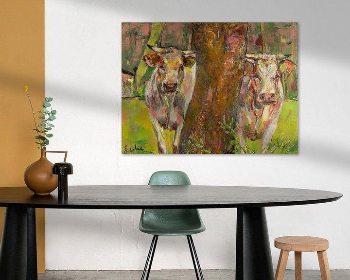 Impression: Deux vaches derrière l'arbre sur Liesbeth Serlie