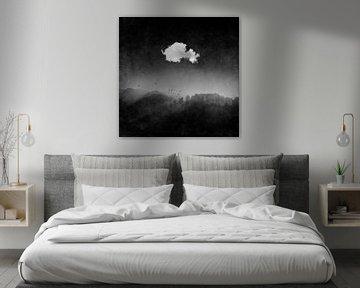 Wolke über dunkler Waldlandschaft von Dirk Wüstenhagen