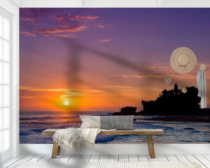Sfeerimpressie behang: Balinese zonsondergang bij Pura Tanah Lot van Frank Lenaerts
