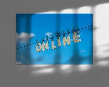 online an der Wäscheleine von Peter Hermus