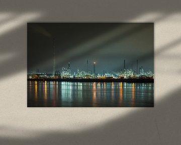 Industrielandschaft bei Nacht von Menno van der Haven