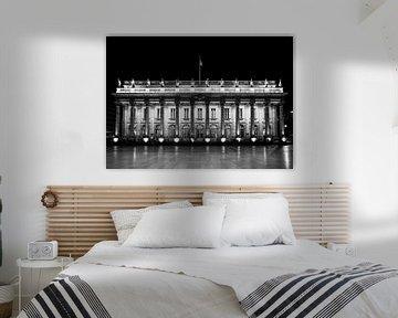 De opera van Bordeaux in het donker zwart wit van Ivo de Rooij