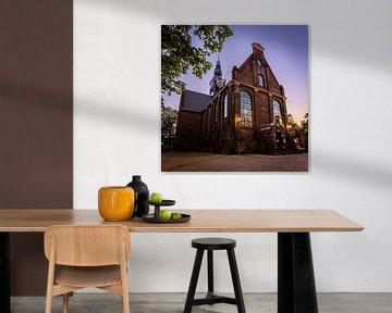 Bullekerk oder Westzijderkerk in Zaandam in der blauen Stunde von Jeffrey Steenbergen