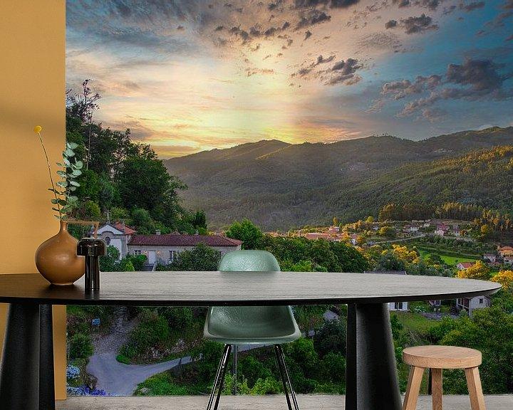 Sfeerimpressie behang: Klassieke villa in berglandschap van Eddie Meijer