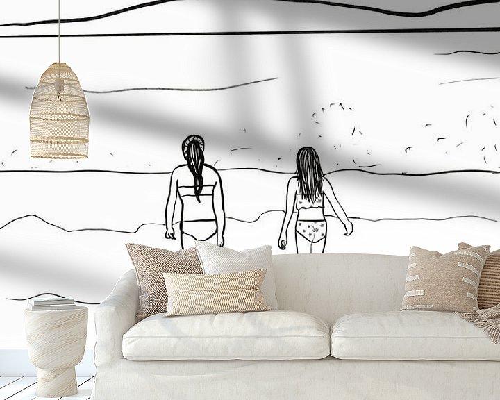 Sfeerimpressie behang: Meisjes in de branding van MishMash van Heukelom