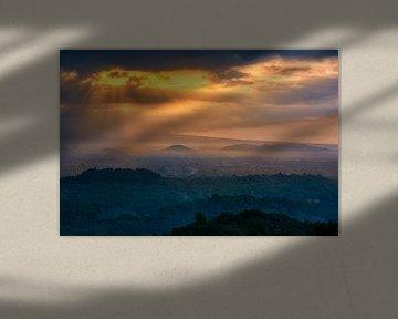 Herrliche Aussicht von den Purwosari-Hügeln auf den Borobudur-Tempel und die Hügel von Ardi Mulder