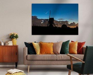Komet über holländischer Windmühle von Menno van der Haven