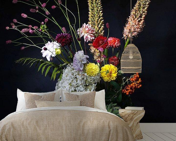 Beispiel fototapete: Blumenstillleben mit Delfter blauer Vase von Saskia Dingemans