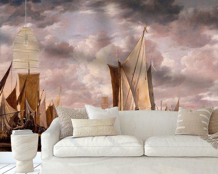 Sfeerimpressie behang: Scheepvaart in een kalmte op Vlissingen met een Staten Generaal Yacht Firing a Salute, Jan van de Ca