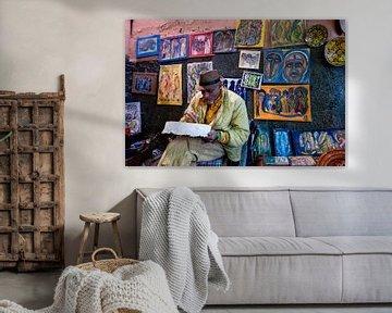 Malerin in Marrakesch von Ellis Peeters
