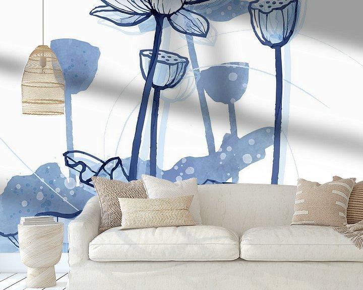 Sfeerimpressie behang: Lotus Delftsblauw 03 van Ingrid Joustra