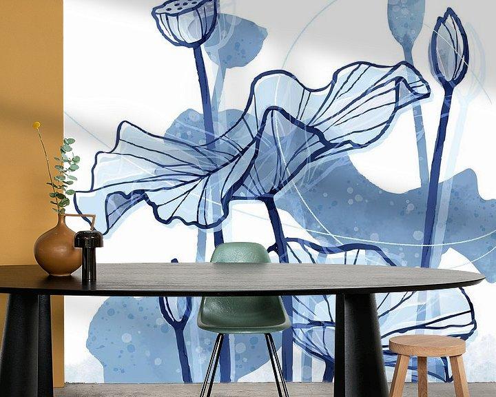 Sfeerimpressie behang: Lotus Delfstblauw 02 van Ingrid Joustra